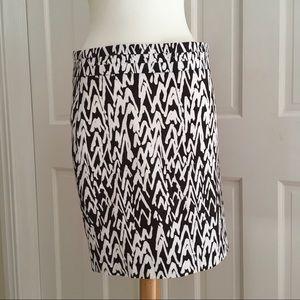Ann Taylor LOFT • Brown & White Pencil Skirt